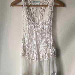 Long lace tanktop